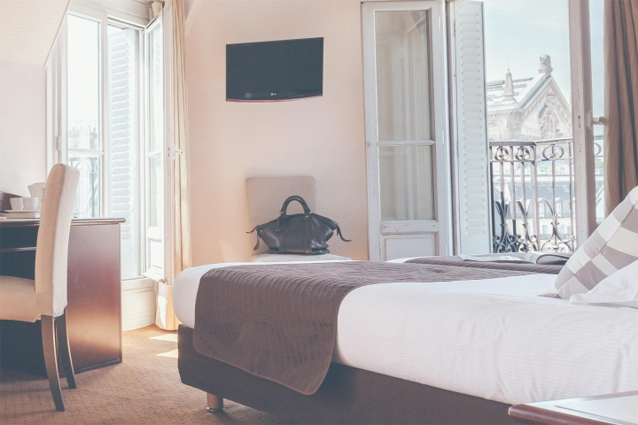 Click to enlarge image 00_Chambre_Triple_Hotel_Excelsior_Opera.jpg